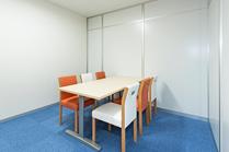 6名の個室商談室